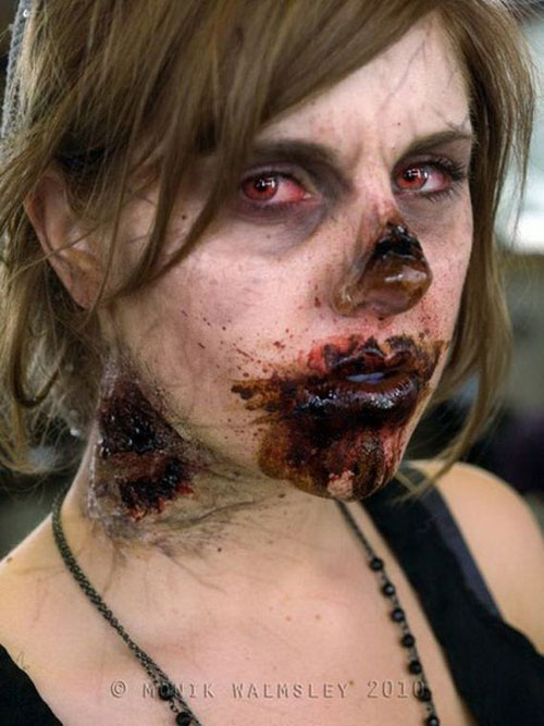 25-Scary-&-Horror-Face-Makeup-Ideas-Looks-Trends-2015-17
