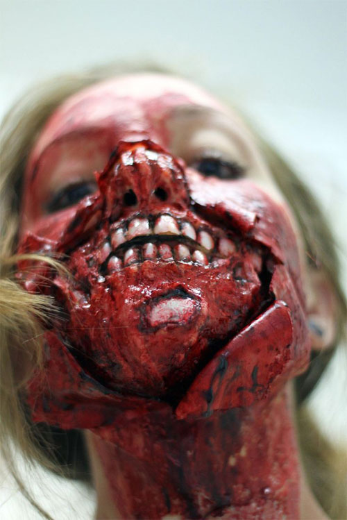 25-Scary-&-Horror-Face-Makeup-Ideas-Looks-Trends-2015-19